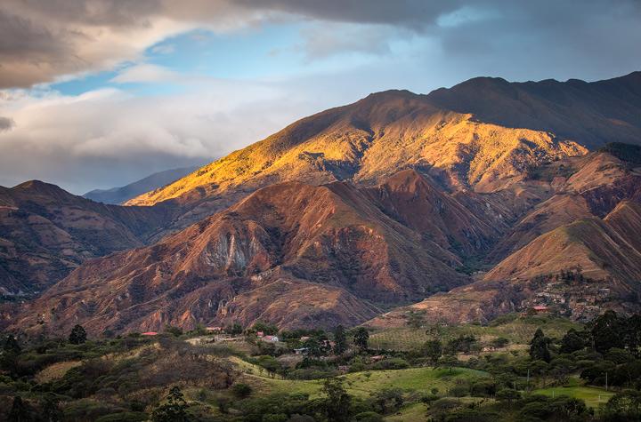 View from hosteria Izhcayluma towards Vilcabamba