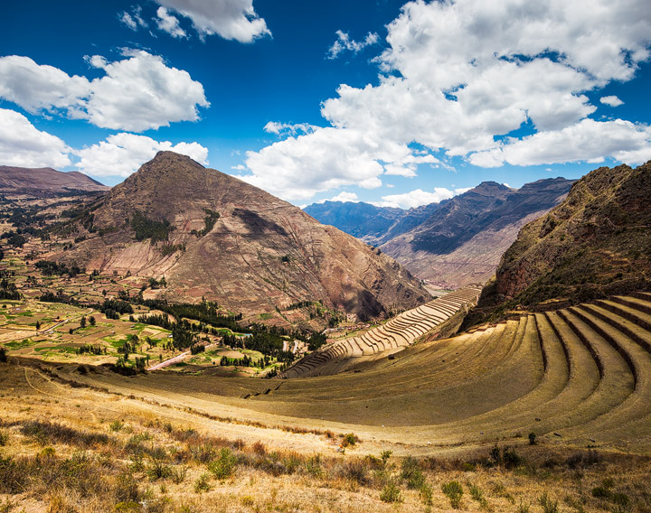 Inka ruins over andean town PIsac