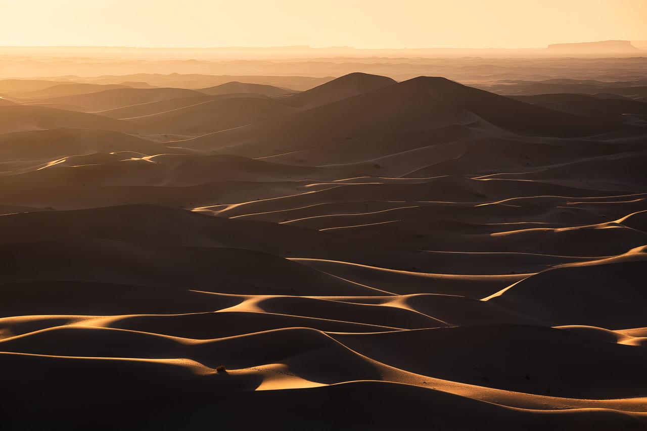 Les dunes sans fin de l'Erg Chigaga au coucher du soleil